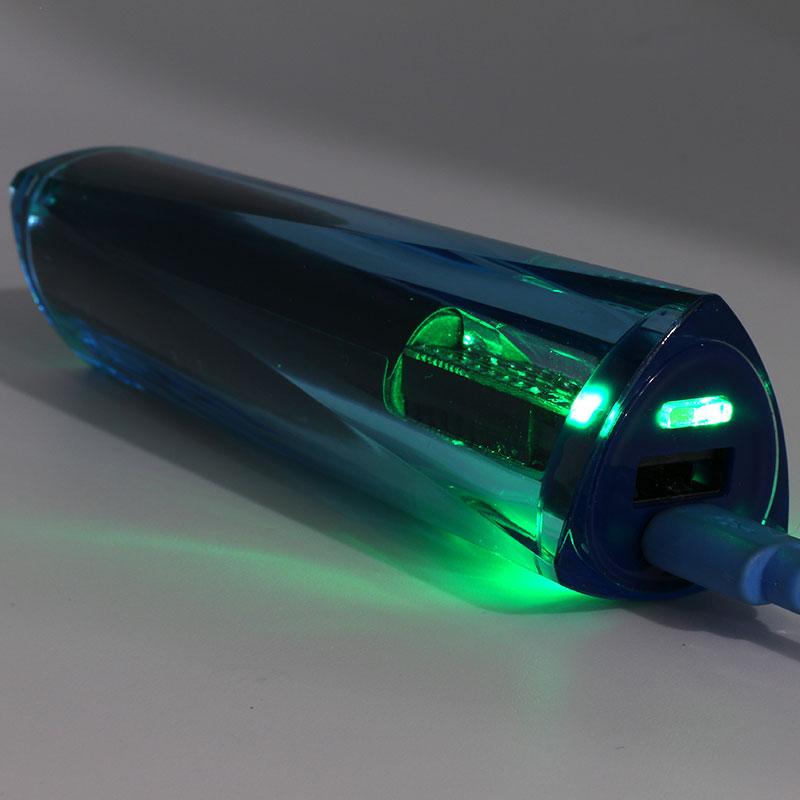 800x800-vPower-Gem-Power-Bank-VL-PB155_Charging_light