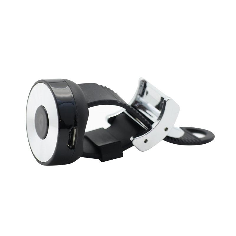 AC06-Wireless-Wefie-Stick-Black-shutter-button
