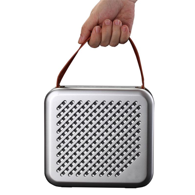 HR701-Premium-Speaker-Silver-hand-carry