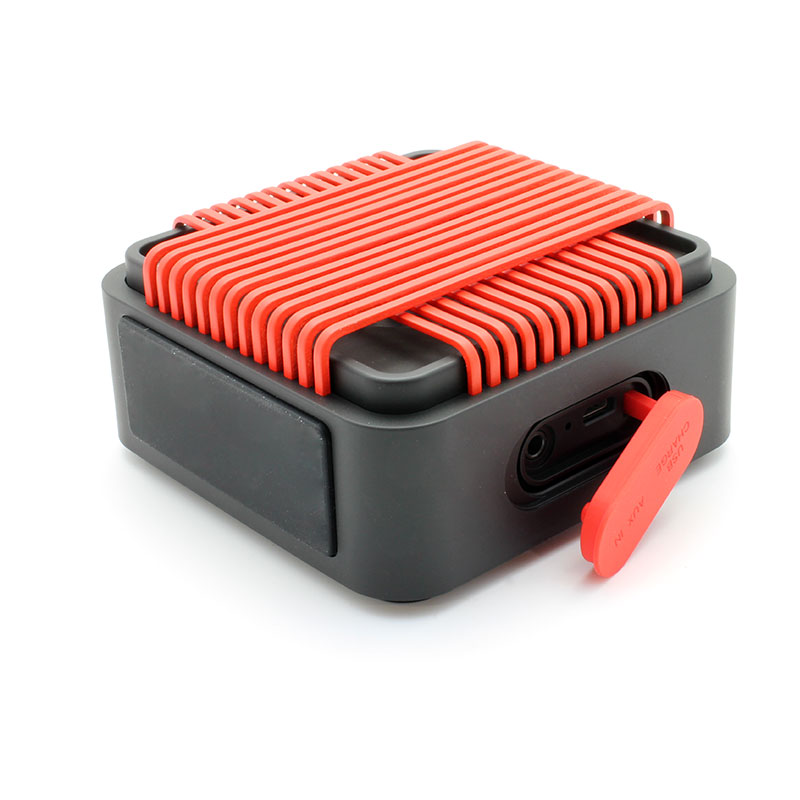 HR910-Water-Resistant-Wireles-Speaker-red-Ports