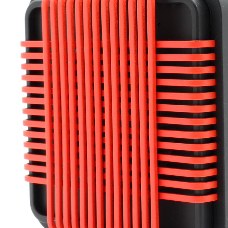 HR910-Water-Resistant-Wireles-Speaker-red-close-up