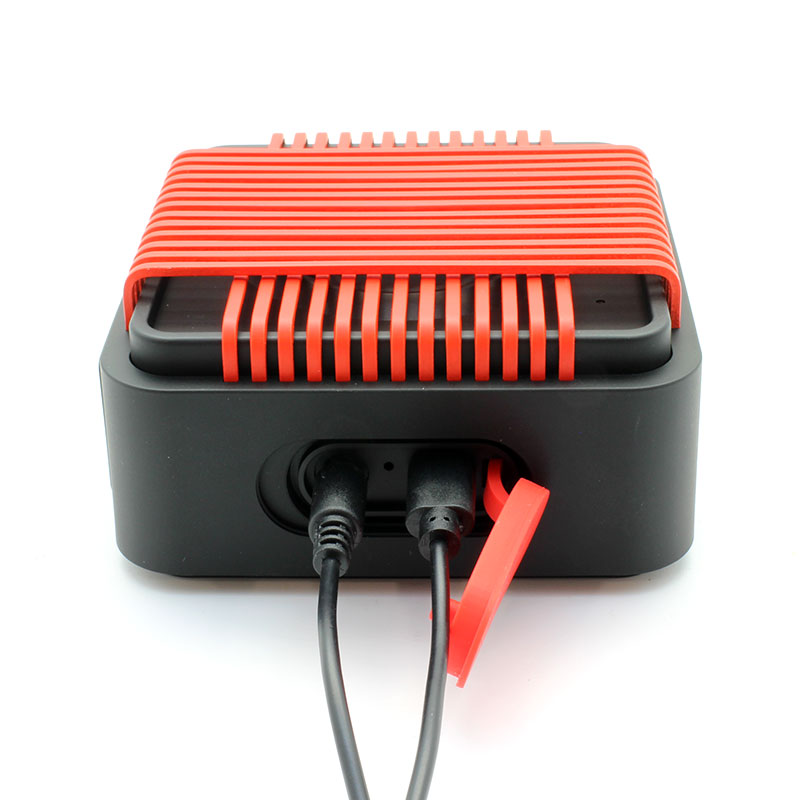 HR910-Water-Resistant-Wireles-Speaker-red-with-cable
