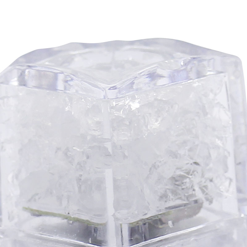 LML02-LED-Ice-Cubes-close-up