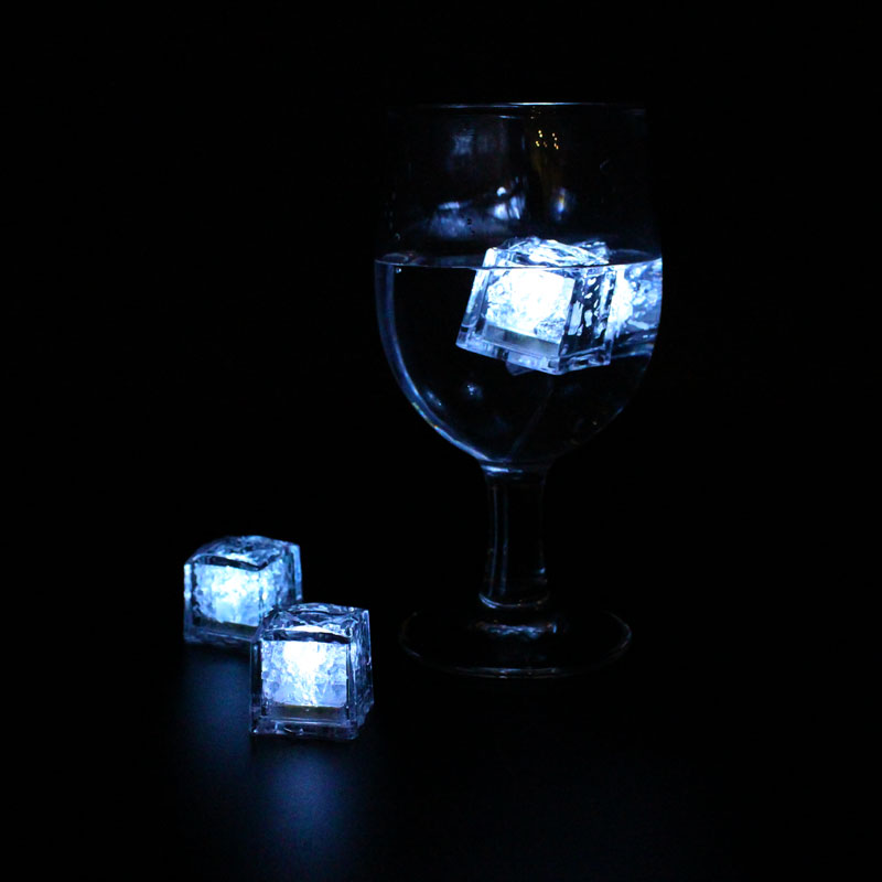 LML02-LED-Ice-Cubes-in-glass-2