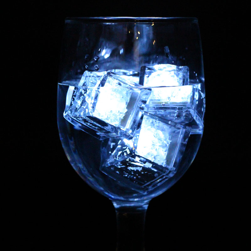LML02-LED-Ice-Cubes-in-glass