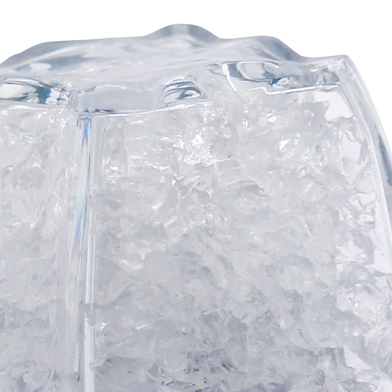 MA01-Ice-Cube-Close-up