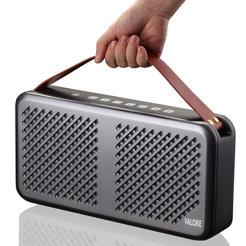 Premium-Wireless-Speaker-HR702H-Grey-Hand-Carry
