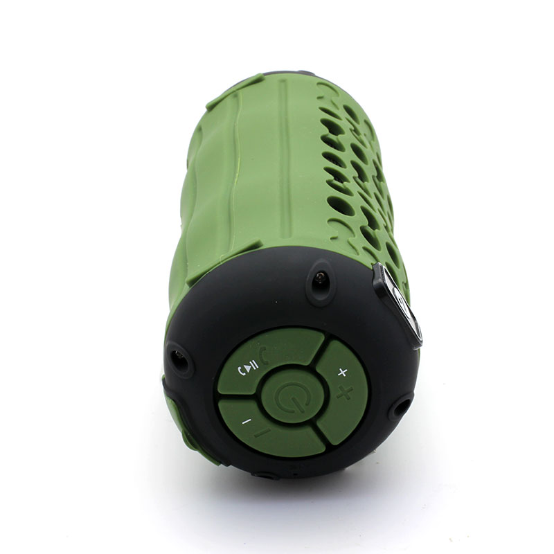 QKS6-Outdoor-Wireless-Speaker-Button