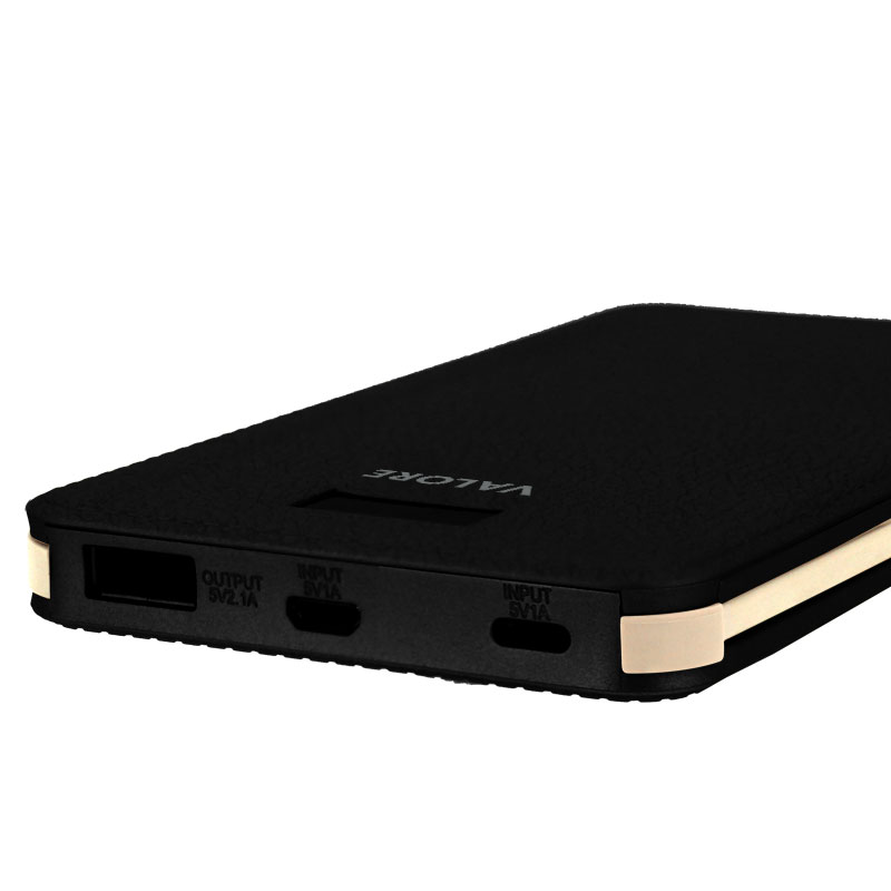 Valore-Alligator---8000mAh-Power-Bank-(PB19)-Black-charging-ports