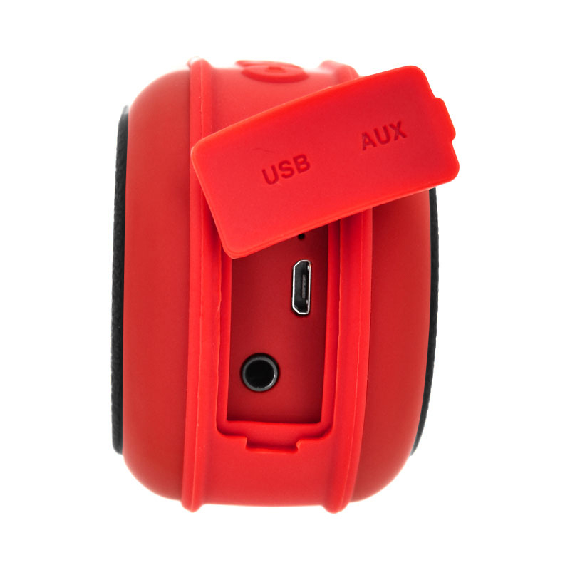 Valore-Outdoor-Wireless-Speaker-(V9)-Red-charging-port