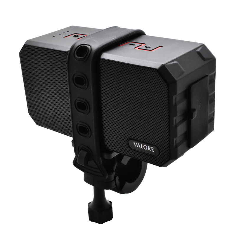 Valore-Redshank---Outdoor-Wireless-Speaker(BTS15)-handle-mount