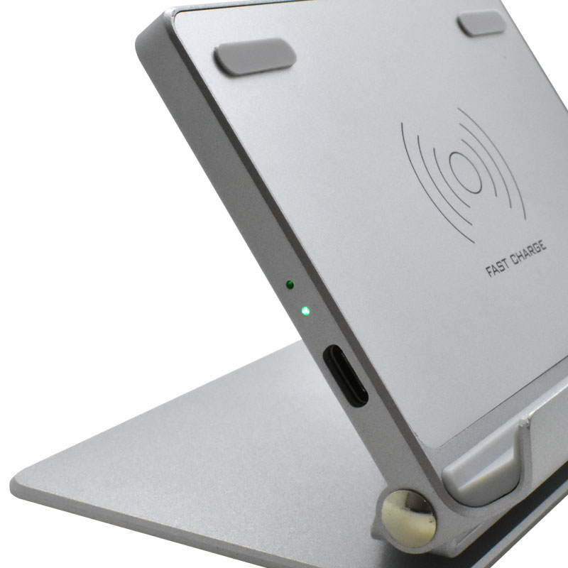 Valore-Wireless-Charging-Stand-(AC65)-Charging-indicator
